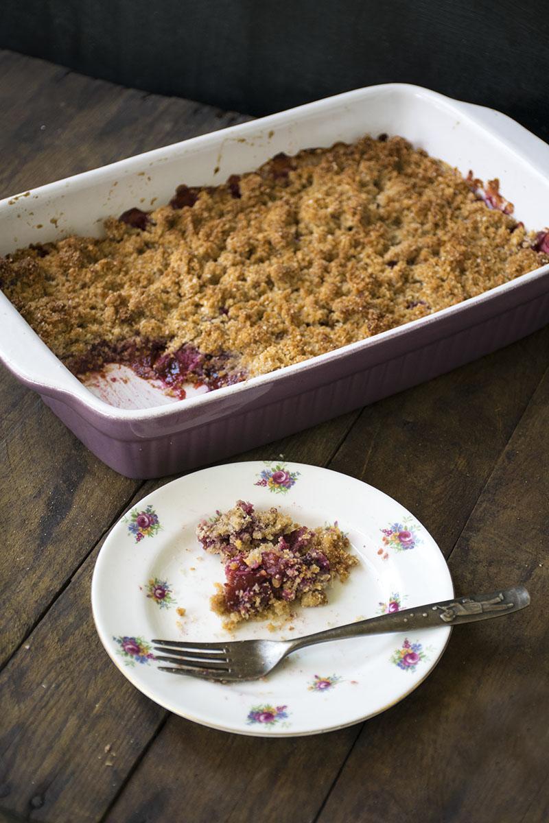 pflaumen crumble 6 foodreich � vegan foodblog