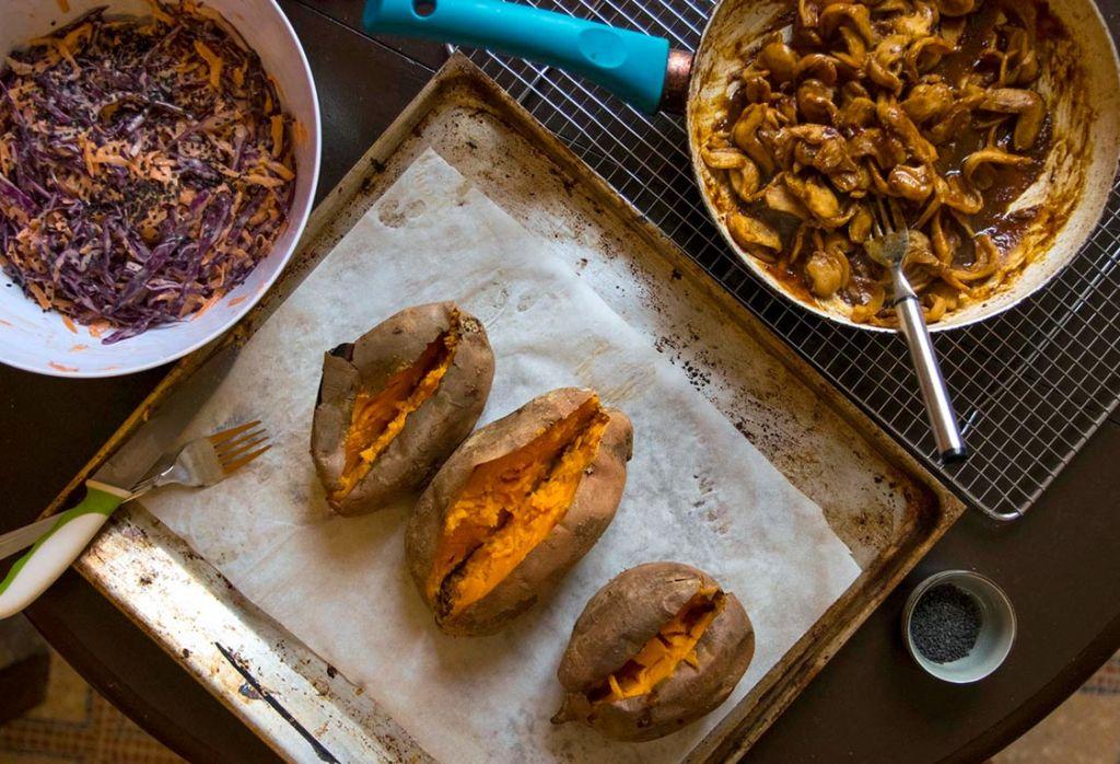 vegane süßkartoffeln gefüllt asiatisch
